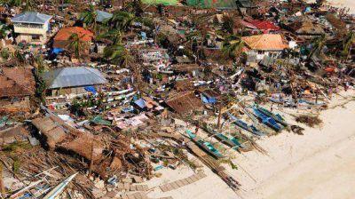 Ascienden a 5.500 los muertos por el paso del devastador tifón Haiyan
