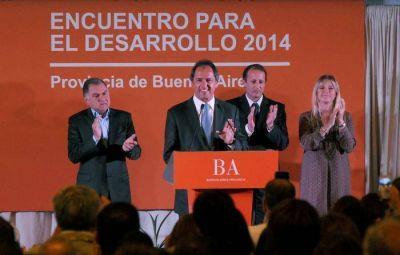 """CONCEJALES Y CONSEJEROS ESCOLARES DE MAR CHIQUITA PARTICIPARON DEL """"ENCUENTRO PARA EL DESARROLLO 2014″"""