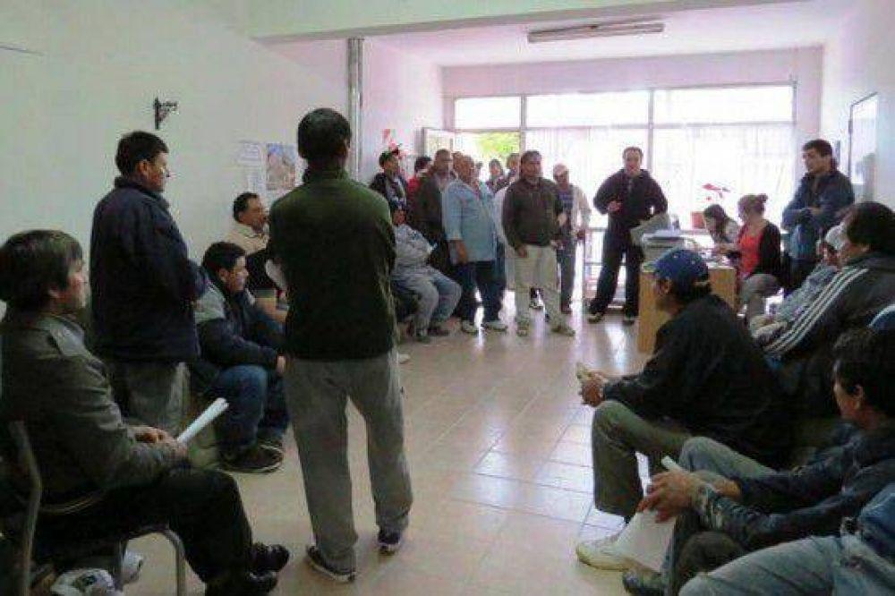 Desocupados de la construcción piden que desvinculen a Moreira de la UOCRA
