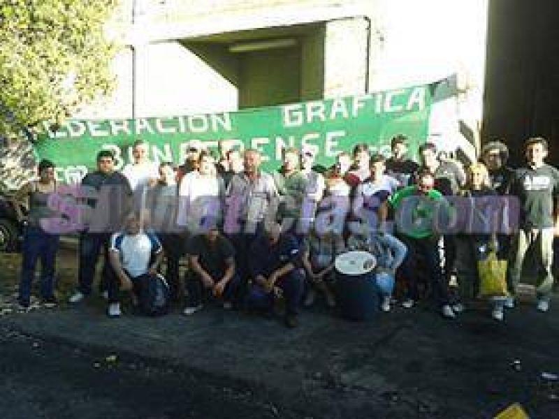 Trabajadores de la Empresa Grafica Cortiñas tomaron la planta por el despido de 44 empleados