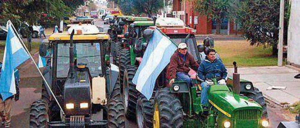 Tractores y petitorio en la visita de CFK a Río Tercero