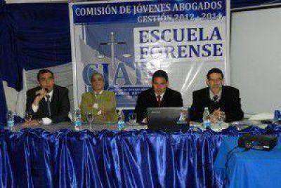 Comisión de Jóvenes Abogados cierra el ciclo de exposiciones la Escuela Forense