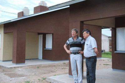 Peppo destacó la generación de empleo en la construcción de viviendas