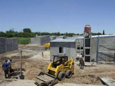 Mudarán la villa que está sobre la banquina de la autopista a Buenos Aires