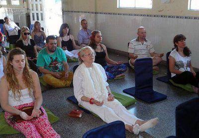 En Olavarría se meditó por la paz