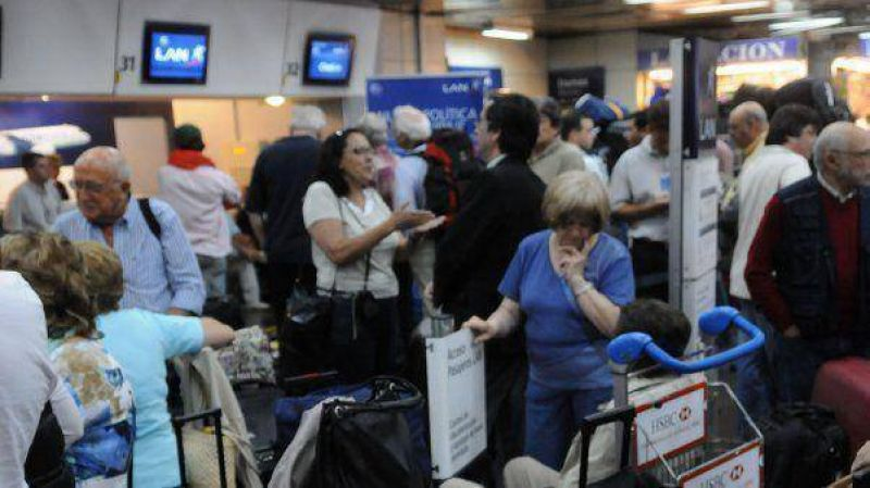 Por un conflicto gremial, LAN canceló vuelos desde Aeroparque