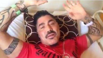 Pol�mica por la foto de Ricardo Fort muerto en un ata�d