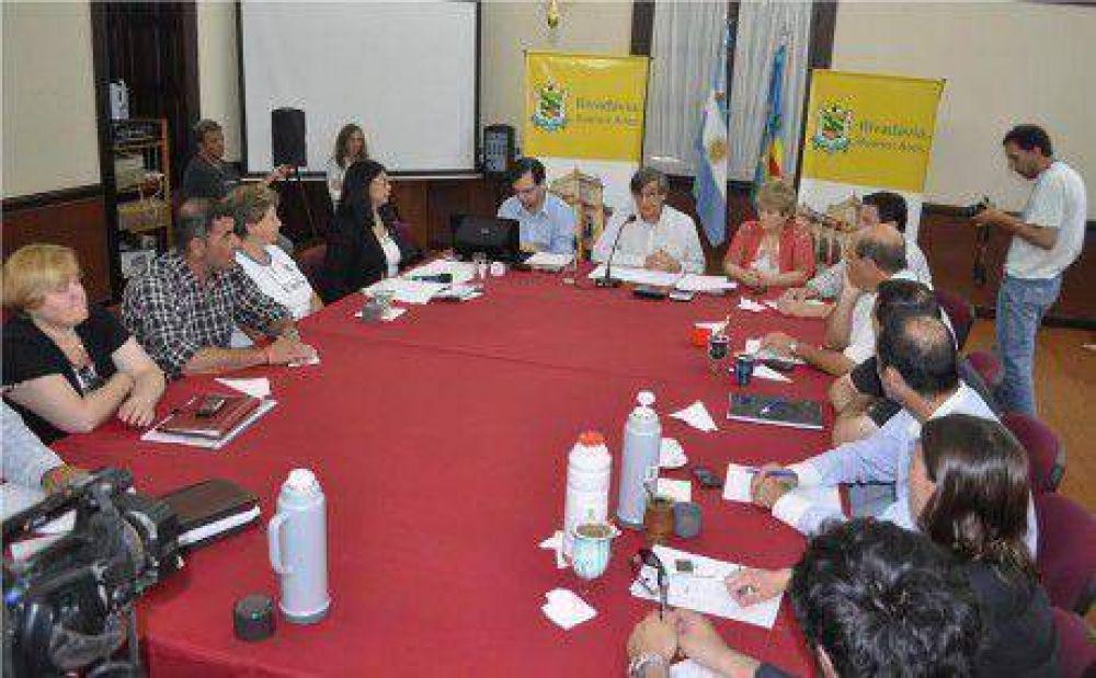 No habrá más sumas no remunerativas para empleados municipales de Rivadavia