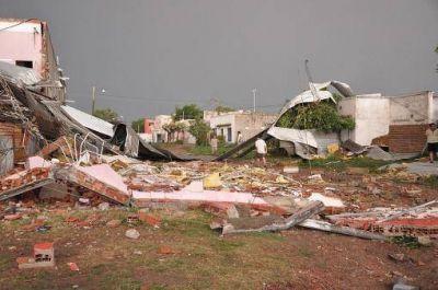 """Berni inform� que hay """"65 familias afectadas"""" por el temporal en Chivilcoy"""