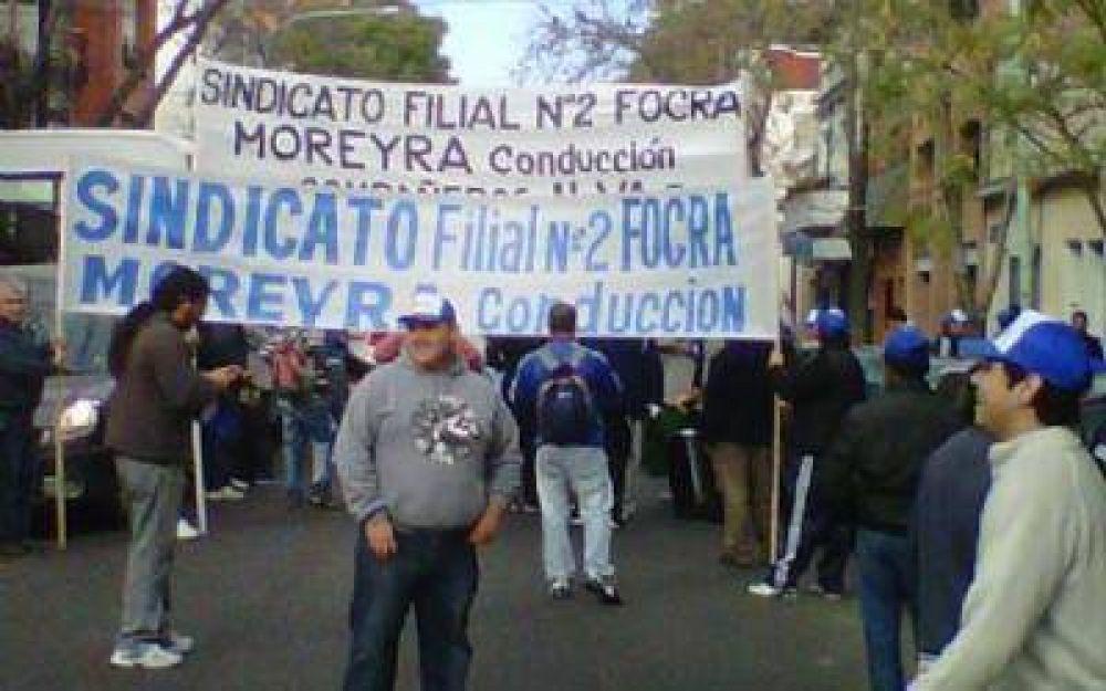 Continúa el conflicto con trabajadores de Cerámica Lourdes en Almirante Brown