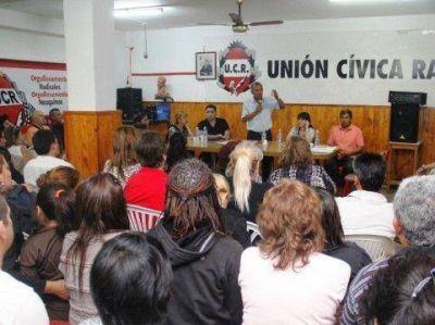 Quiroga exhibió respaldo de la UCR capitalina