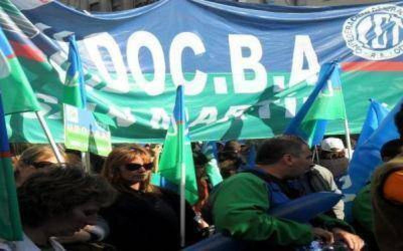 Marcha de docentes bonaerenses de UDOCBA