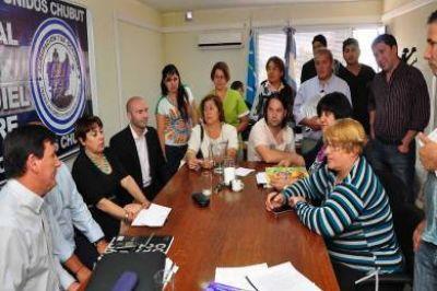 Paritarias: el Gobierno Provincial se reunió con los gremios de la salud