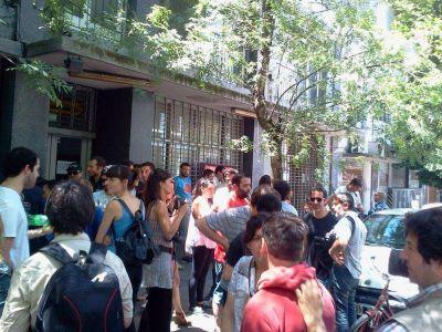 """El Atlántico: siguen los """"despidos"""" disfrazados de """"retiros voluntarios"""""""