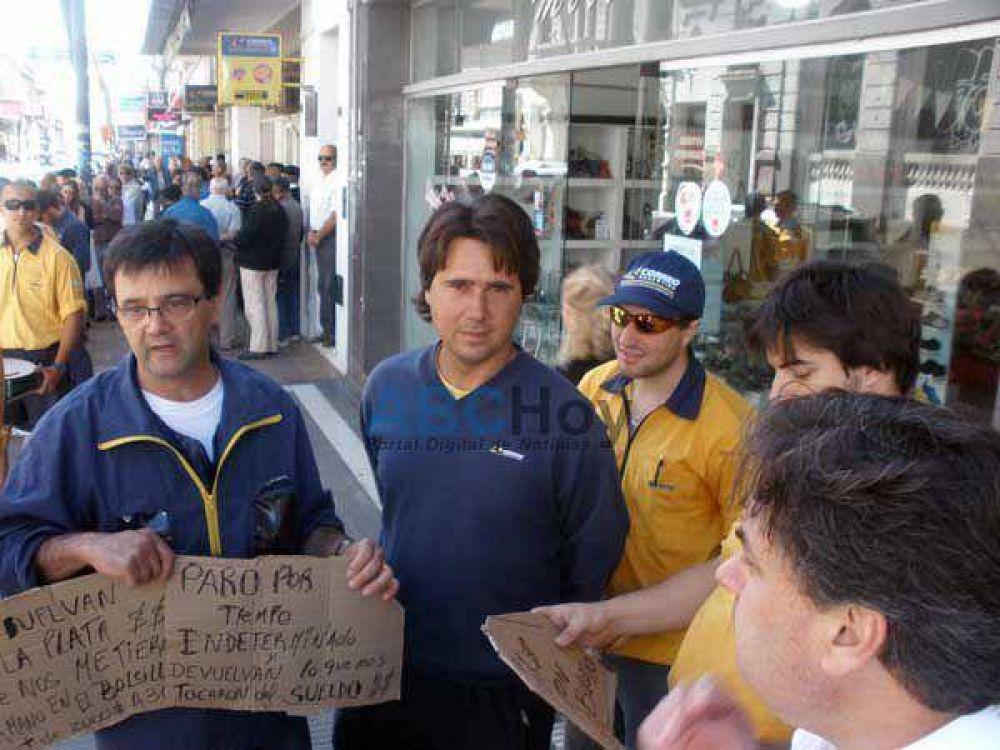 """Los trabajadores del Correo Argentino siguen de paro y se quejan de la """"falta de diálogo"""""""