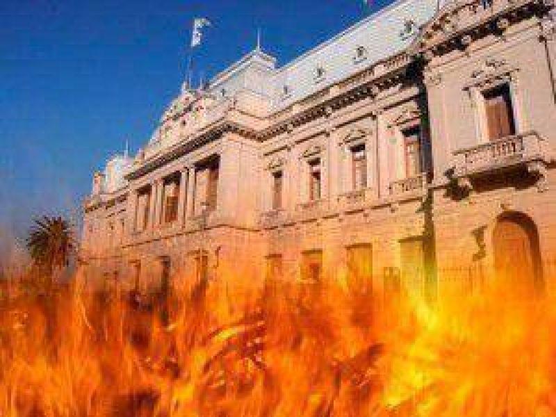 Conflicto institucional: hoy paran la mayoría de los gremios estatales de Jujuy ante un cada vez más ausente Eduardo Fellner