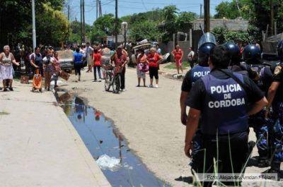 Los vecinos denunciaron nuevos saqueos, pero la policía cordobesa lo niega