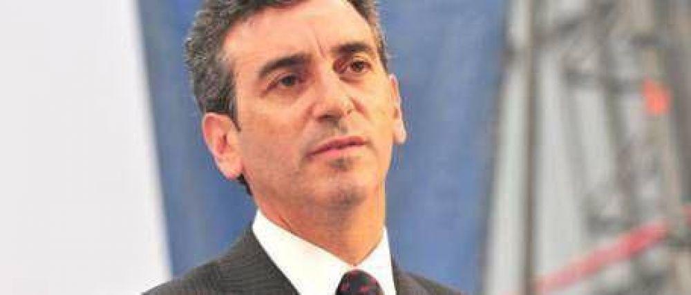 Escraches: el Gobierno acusó a De Narváez y al campo
