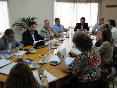 Los Secretarios de Economía y Obras Públicas brindaron informes en el HCD