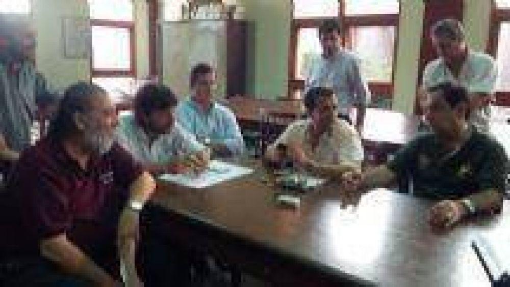 Hubo acuerdo salarial y los empleados municipales de Orán levantarán el paro