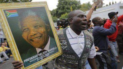 Habrá dos semanas de homenajes por la muerte de Mandela