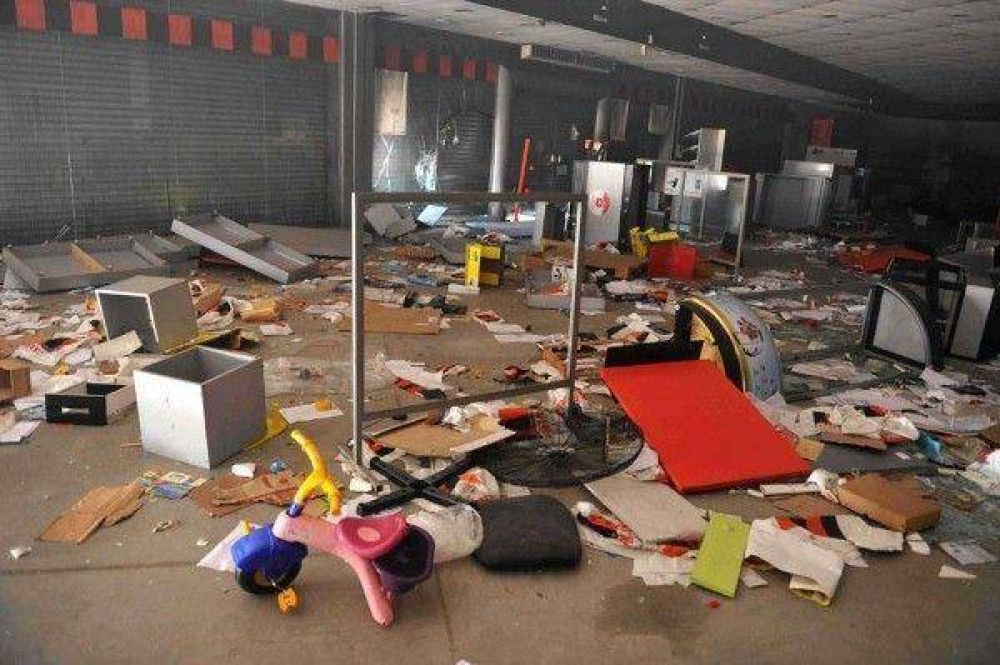 Córdoba: Denunciaron más saqueos, la policía lo niega