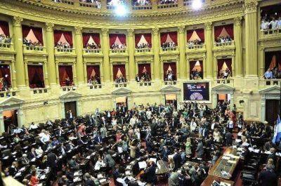 Juraron los 127 diputados electos y reeligieron a Domínguez