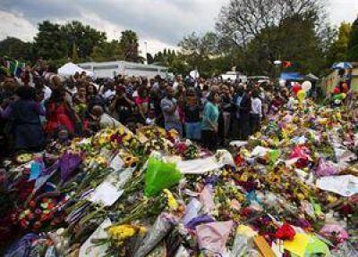 Sudáfrica se unió en una jornada de oración para despedir a Mandela