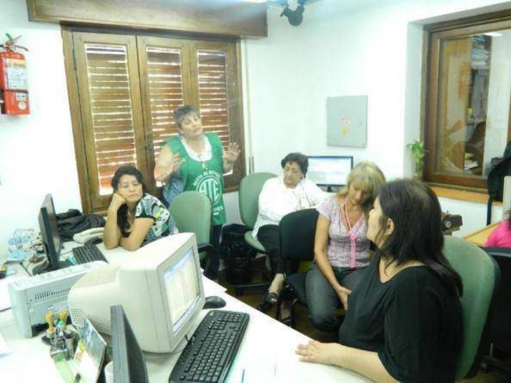 Aguinaldos: ATE reclama a Closs que se liquide el 50 % del sueldo de bolsillo de los trabajadores