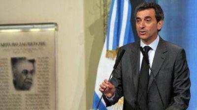 """Randazzo cuestionó el """"silencio de la oposición"""" ante los saqueos y pidió """"firmeza"""" a la Justicia"""
