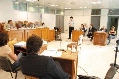 Realic�: piden multa para Caldo y tres a�os de prisi�n para Ramello, un empleada ley 2343