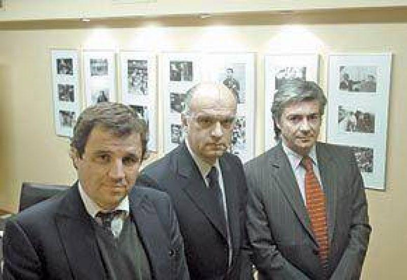 """Los economistas de la oposición prevén un """"impuestazo"""" para después del 28"""