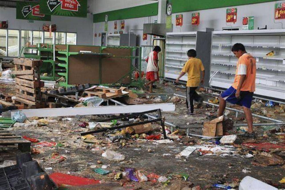 Suman 11 los muertos por las revueltas en el interior del país