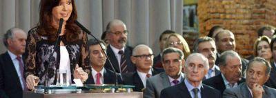 Beder participó junto a la presidente de la celebración de los 30 años de democracia