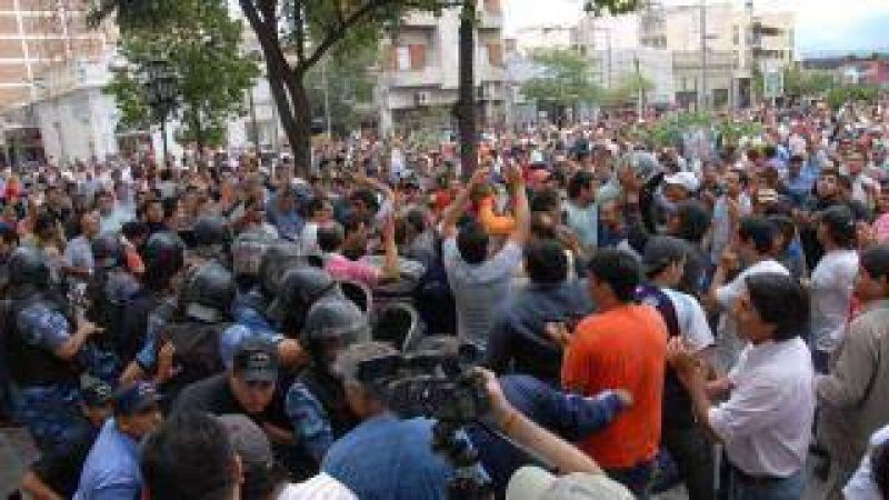 La Intersindical sigue protestando