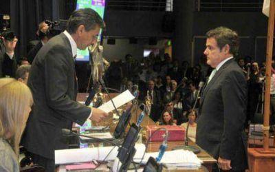 """Rovira fue reelecto y convocó """"a construir desde la diversidad"""""""