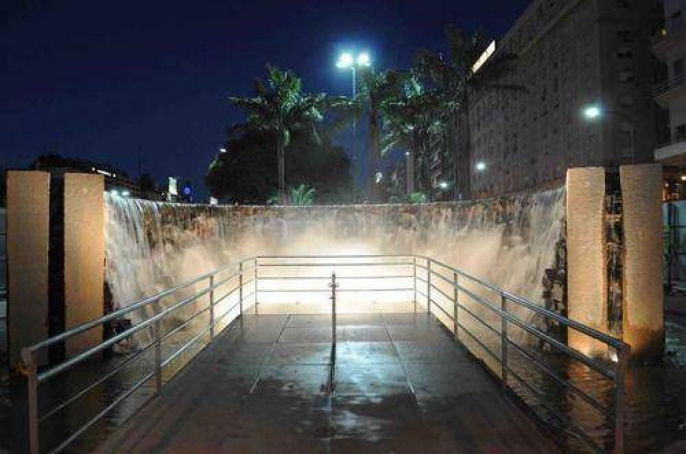 Closs inaugurará el Monumento a las Cataratas y la escultura de Andresito Guacurarí en Buenos Aires
