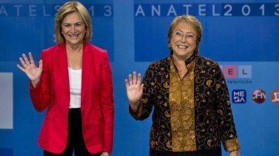 Bachelet y Matthei debatieron con la vista puesta en la Constitución