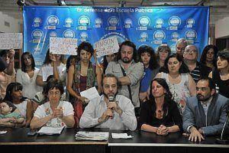 Gremio docente denuncia a la Ciudad por falta de vacantes