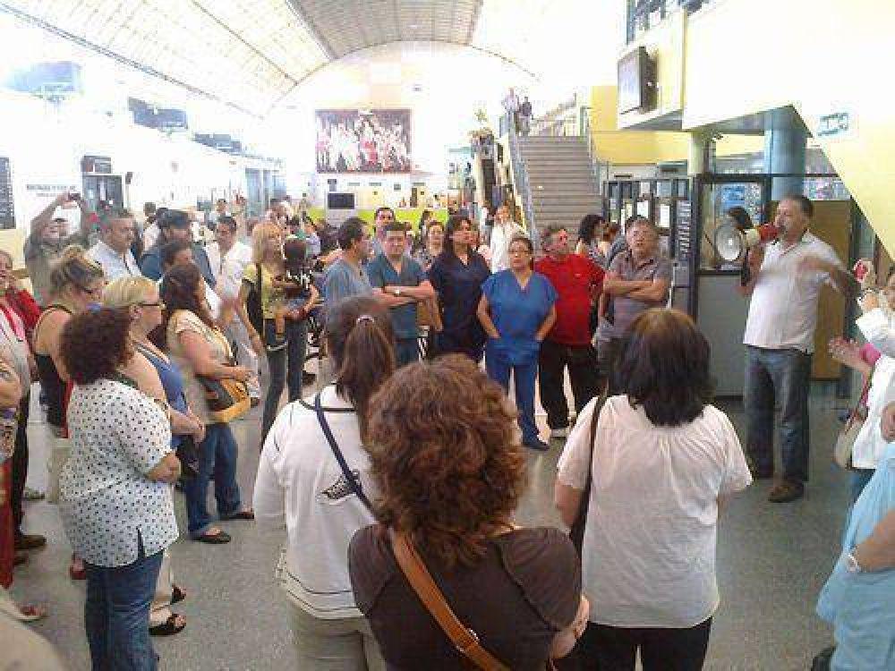 ATE zona norte realizó una asamblea en el hospital de Vicente López
