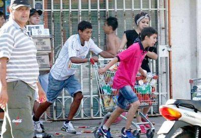 Volvieron  los saqueos en La Pampa, Corrientes y Tucumán