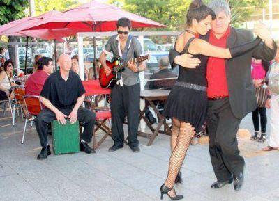 El tango se hizo presente en el centro de la ciudad