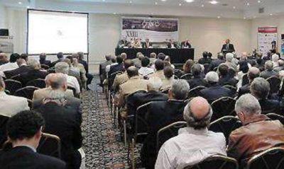 Un foro de debate analizó los principales desafíos del sector