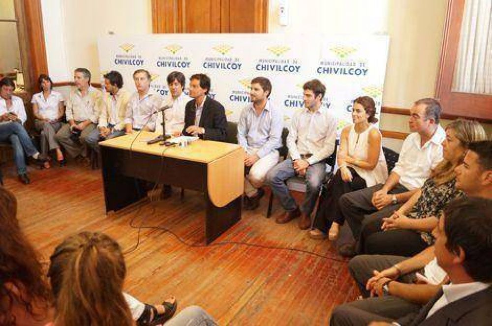 Aníbal Pittelli presentó a su nuevo gabinete municipal