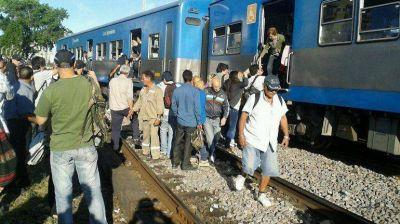 Descalzó un vagón del Sarmiento en Once