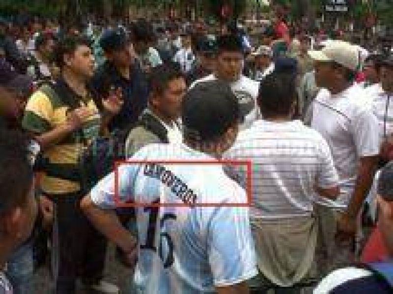 Gremialistas afines a Moyano fogonean el conflicto y rodean el Ministerio de Seguridad de Salta