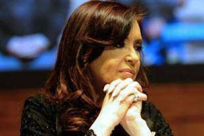 Salud presidencial: Cristina suspendió un acto en la Rosada y se va un mes a Santa Cruz
