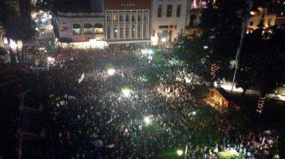 Fuertes críticas en Tucumán contra los medios locales por no transmitir las protestas y saqueos