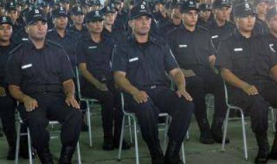 Egresó la primera promoción de Oficiales de Policía en Bahía Blanca