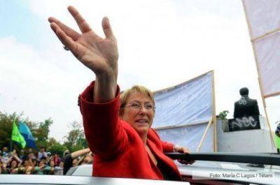 Piñera, Bachelet y Matthei ya emitieron su voto en el balotaje presidencial